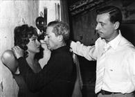 Gina Lollobrigida, Jules Dassin e Yves Montand durante la lavorazione del film