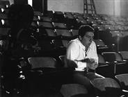 """<div>Elio Petri durante la lavorazione del film</div> <div><span style=""""font-size: 10pt;"""">Foto di Giovan Battista Poletto</span></div>"""