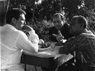 """<div>Elio Petri e Salvo Randone (a destra) durante la lavorazione del film</div> <div><span style=""""font-size: 10pt;"""">Foto di Giovan Battista Poletto</span></div>"""