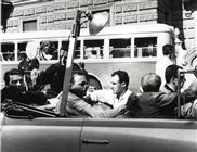 """<div>Elio Petri, Ennio Guarnieri e Paolo Ferrari al volante durante la lavorazione del film</div> <div><span style=""""font-size: 10pt;"""">Foto di Giovan Battista Poletto</span></div>"""