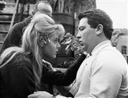 """<div>Angela Minervini e Elio Petri durante la lavorazione del film</div> <div><span style=""""font-size: 10pt;"""">Foto di Giovan Battista Poletto</span></div>"""
