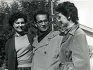 <div>Basilio Franchina e Lucia Bosé, a destra, durante la lavorazione del film</div> <div>Foto di Ezio Graffeo</div>