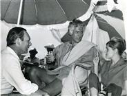"""<div>Il produttore Maurizio Lodi-Fè, Stewart Granger e Rossana Podestà durante la lavorazione del film</div> <div><span style=""""font-size: 10pt;"""">Foto di Giovan Battista Poletto</span></div>"""