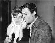 """<div>Marcello Mastroianni e Cristina Gaioni durante la lavorazione del film</div> <div><span style=""""font-size: 10pt;"""">Foto di Giovan Battista Poletto</span></div>"""